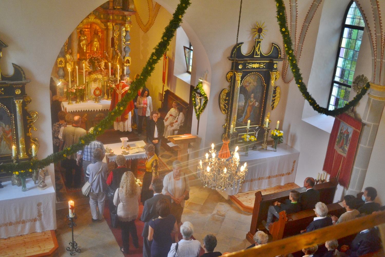 Opfer um den Altar für die Kirchensänger