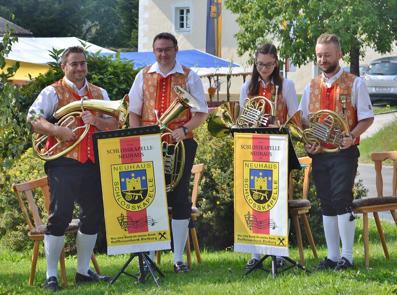 Mitgestaltung der Heiligen Messe durch das Quartett der Schlosskapelle unter der Leitung von Kapellmeister Johannes Glawischnig