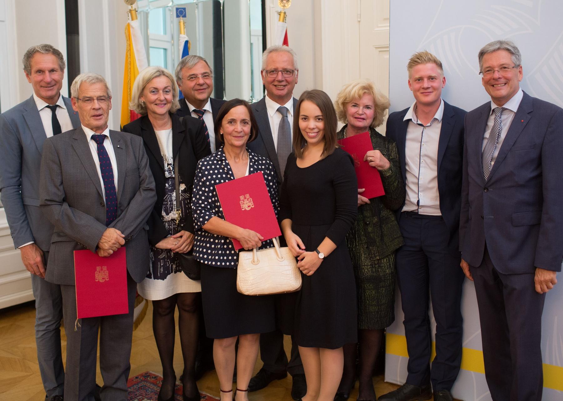 Verleihung mit LH Peter Kaiser an Elisabeth Steinkellner, Elisabeth Drücker, Hans Timko