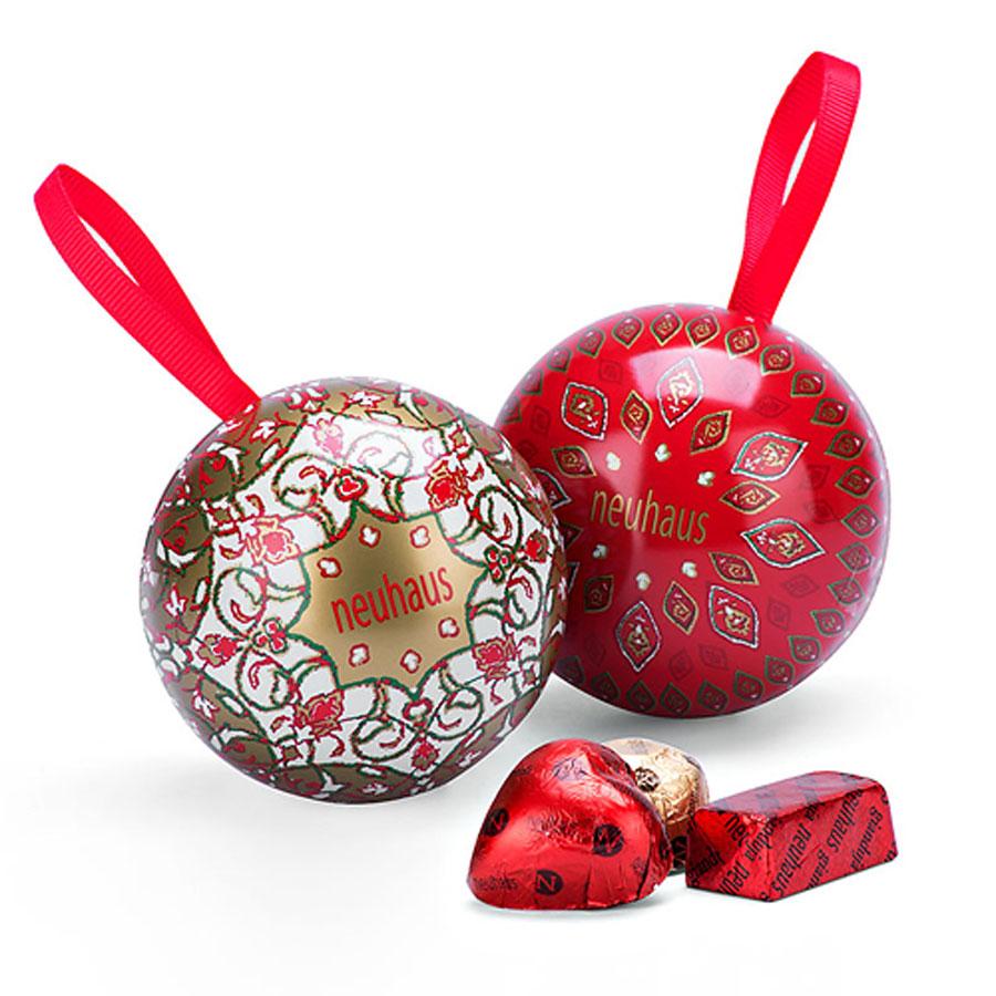 neua000334_08_neuhaus-lavish-christmas-wishes-chocolate-gift-box