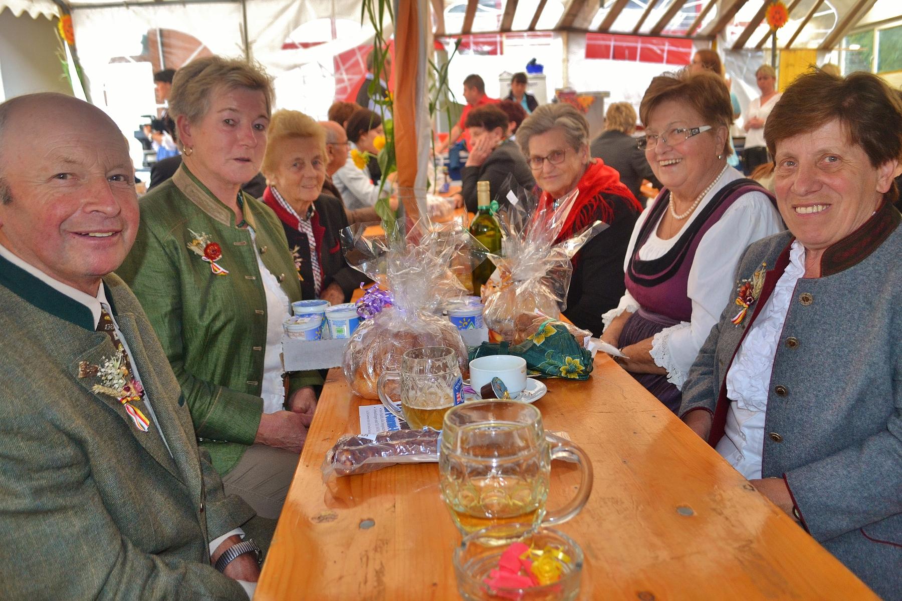 Erntedankfest der Schlosskapelle Neuhaus Seitenblicke