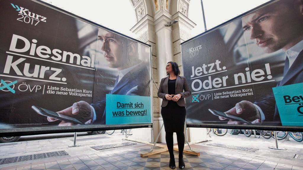 Generalsekretärin Elisabeth Köstinger präsentiert die neue Plakate zur Nationalratswahl.