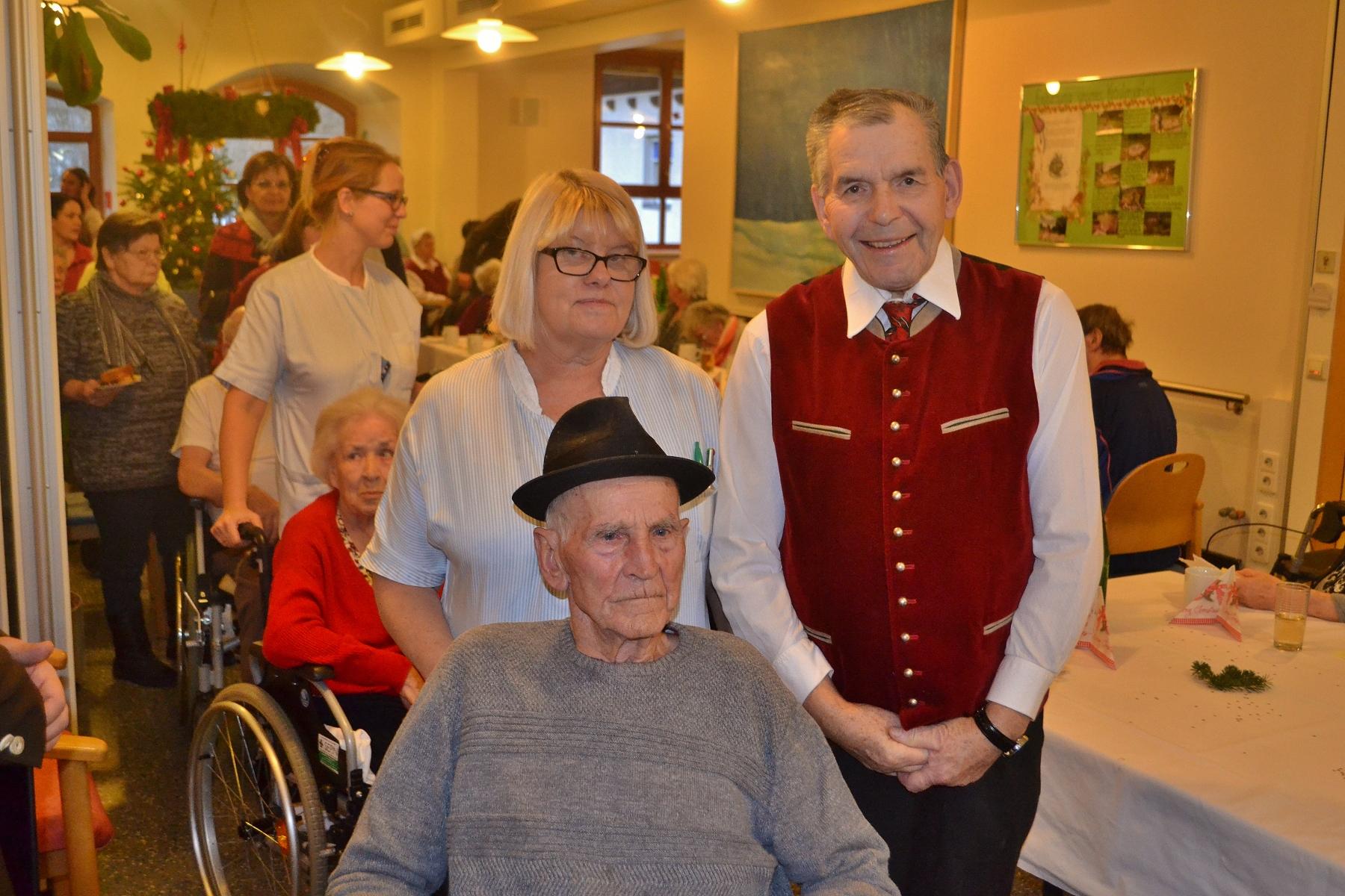 Weihnachtsfeier im Seniorenzentrum Neuhaus