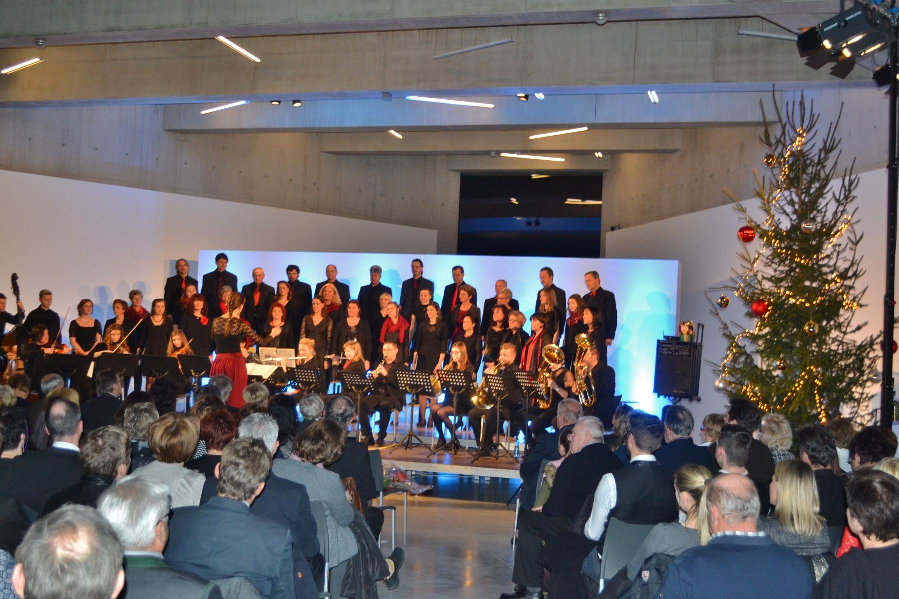 Konzert des Heimatklang Bach im Museum Liaunig